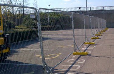 Fencing Hire Featured Image - Fences from Maltaward set up in a car park