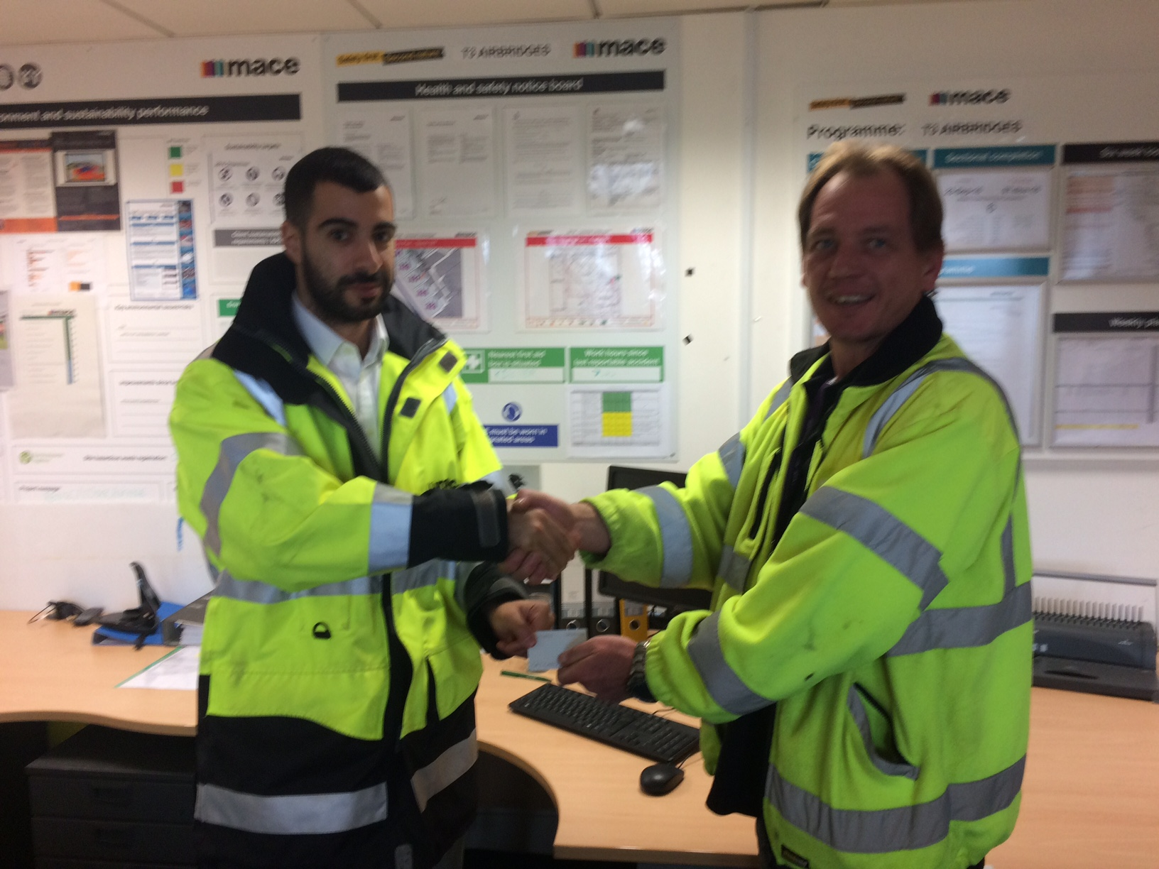 Maltaward receives the safety award from Mace